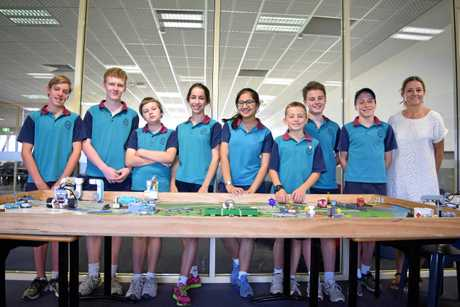The senior team from Emmanuel Anglican College earned a perfect 40/40 score at the Brisbane First Lego League last weekend.