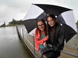 Rain sets in to soak Coast