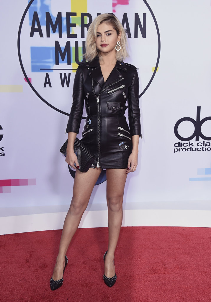 Selena Gomez arrives at the American Music Awards at the Microsoft Theatre in Los Angeles.