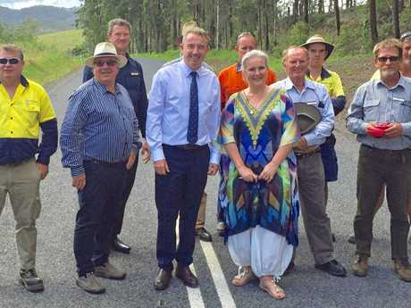 TIME FOR A DRIVE: MP Kevin Hogan and Kyogle mayor Danielle Mulholland at the Toonumbar Dam with councillors and council staff.