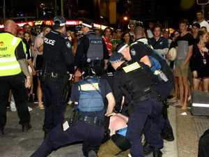 13 schoolies arrested on second night