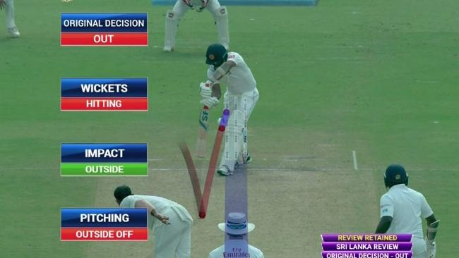 Dilruwan Perera challenged this decision via the DRS