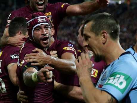 Thurston sledges Pearce in Origin III 2015. Picture: Gregg Porteous.