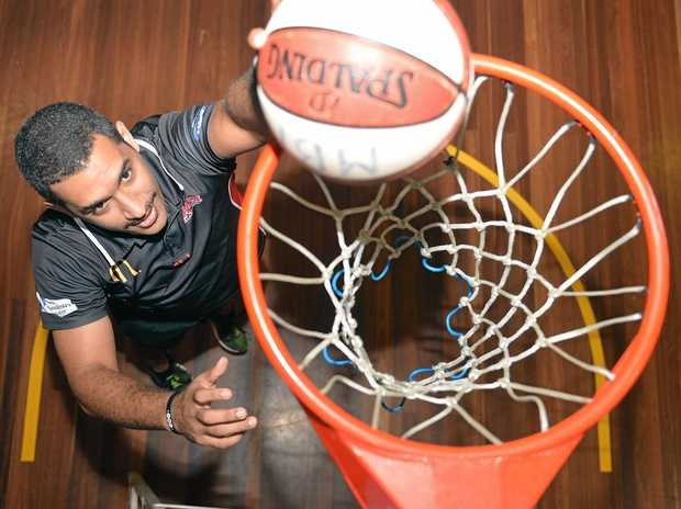 Chris Cedar has re-signed with the Mackay Meteors.