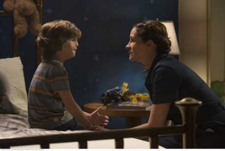 Jacob Tremblay and Julia Roberts in a scene from the movie Wonder.