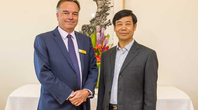 USQ's Carl Rallings with Chairman Mr Jin Baifu from Shaoxing Municipal Yuecheng District Committee of the Chinese People's Political Consultative Conference. 2