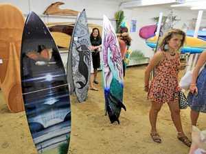 Coast surf art expo draws crowd of 1500