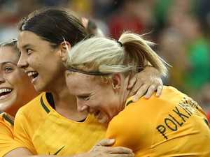 Sam Kerr should play for the Socceroos
