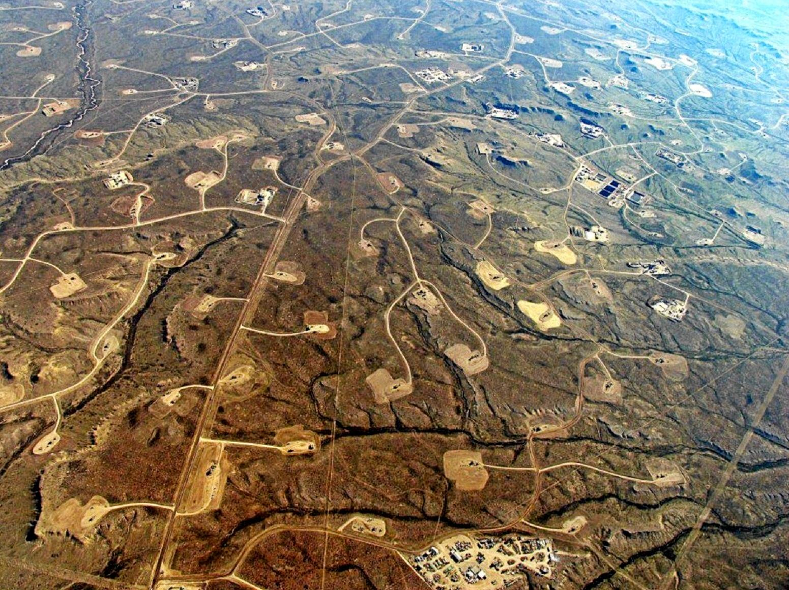 FRACKING: It should be outlawed in Queensland, says reader.