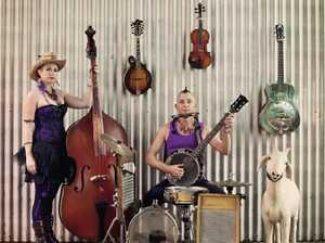 Festival favourites THE HILLBILLY GOATS are bringing their mountain music and harmonies to the Imperial Hotel in Eumundi on Friday 8 December.