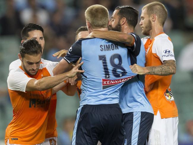 Matt Simon attacks Avram Papadopoulos after the Roar player spat at him.