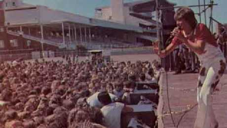 David Cassidy performing at Randwick Racecourse in 1947. Supplied: davidcassidy.com.