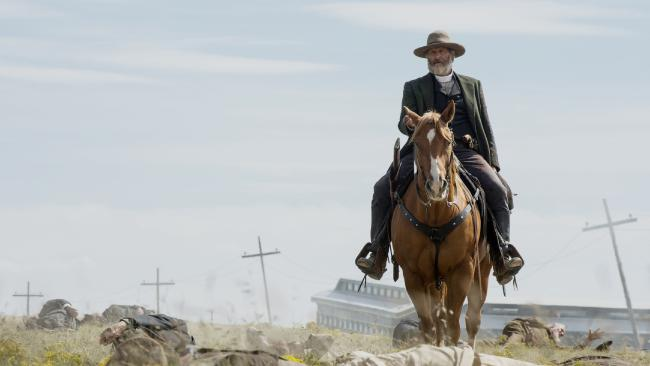 Jeff Daniels as outlaw Frank Griffin in the Netflix's new western Godless.