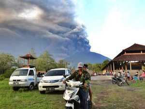 Mount Agung eruption closes Denpasar airport.