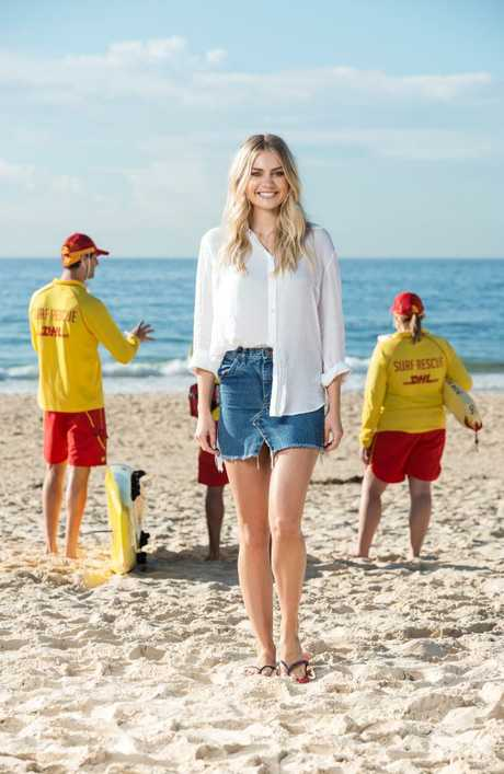 Elyse Knowles is an ambassador for Havaianas and their new #Thongs2SaveLives initiative.