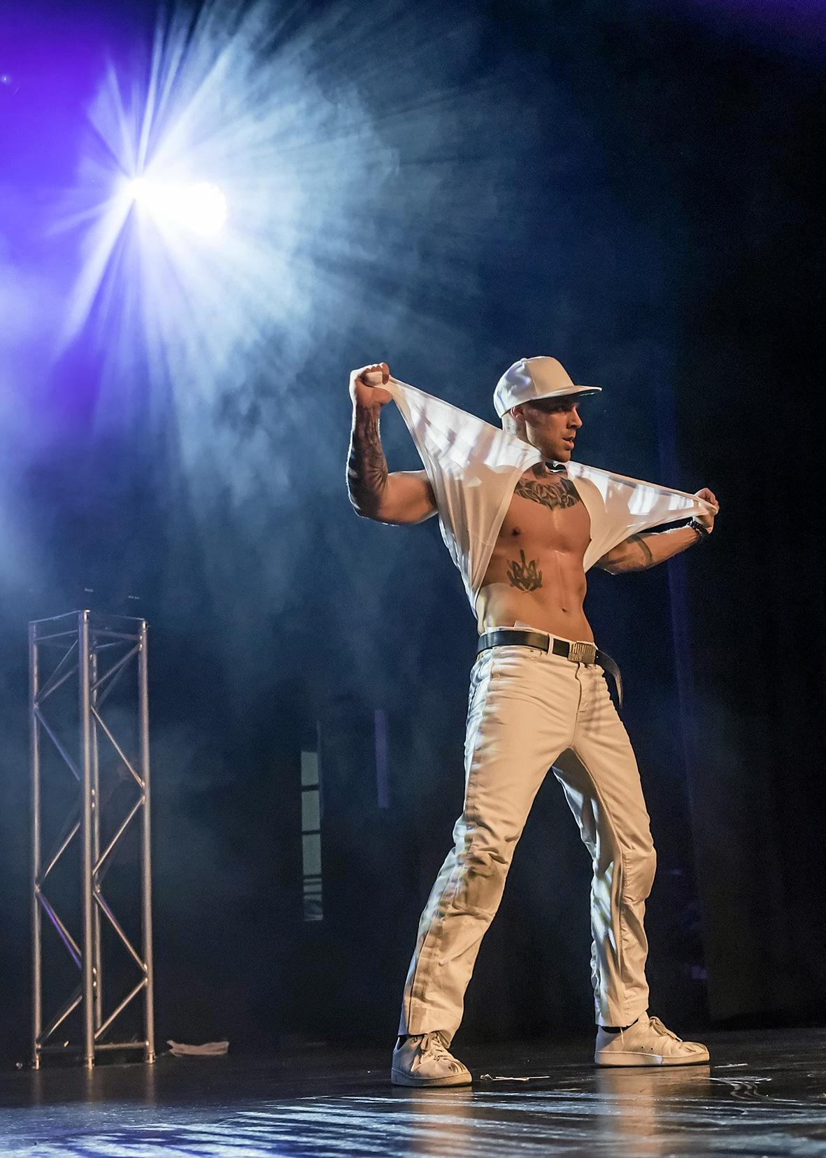 Hunks from the Sydney Hotshots will be performing their routines on stage at Simon's Tavern in Boonah.