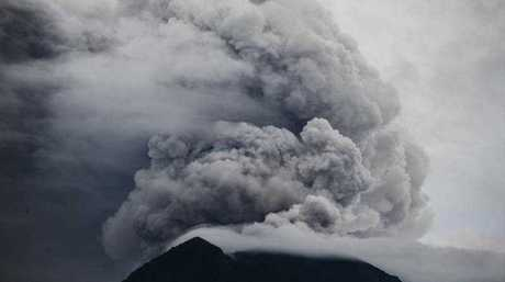 Mount Agung volcano spewing hot volcanic ash as it is seen from Datah in Karangasem, Bali, Indonesia, 29 November 2017.  EPA/MADE NAGI