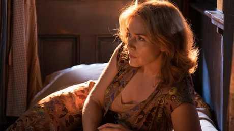 Ginny (Kate Winslet) in a scene from Wonder Wheel.