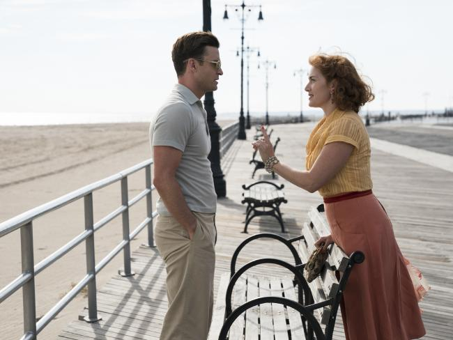 Mickey (Justin Timberlake) and Ginny (Kate Winslet) in a scene from Wonder Wheel