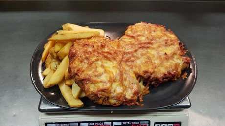 The 2kg chicken parmy from Cottone's Caf /Restaurant/Bar.