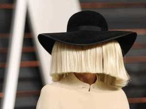 Sia's extreme overshare with fans is hilarious