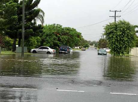 Flash flooding on the corner of Alexandra Rd and Medcraf St, Rocky.
