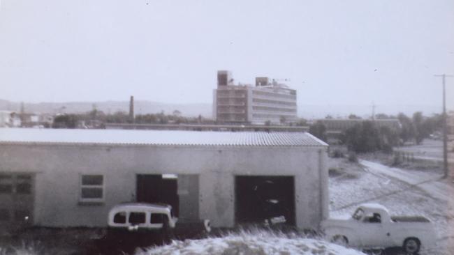 The first club building at Kurrawa.