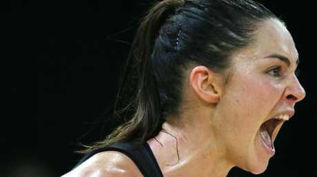 Sharni Layton in full throttle for the Magpies during Super Netball.