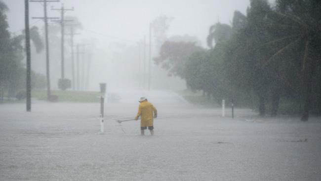 Flash flooding in Rockhampton. Farm St.