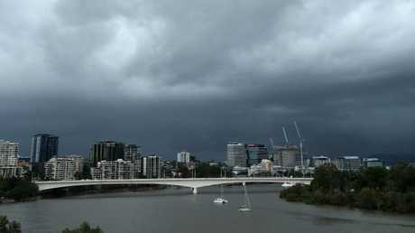 Storm clouds form over Brisbane City, Kangaroo Point. Picture: Liam Kidston.