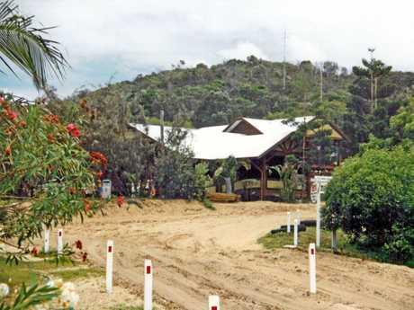 PAST & PRESENT: Eurong Fraser Island 1988