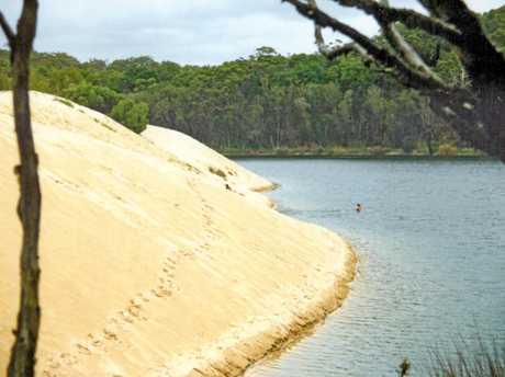 PAST & PRESENT: Lake Wabby Fraser Island 1988