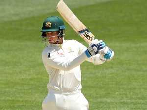 Struggling Handscomb facing Ashes axe