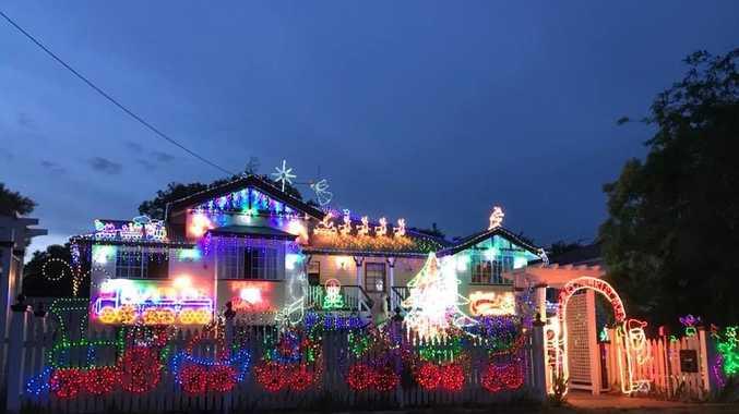 Warwick Christmas Lights 2017 - The Munson house at 19 Gore St.