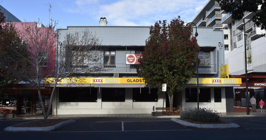 The Gladstone Hotel. Toowoomba, Ruthven Street. June 2017
