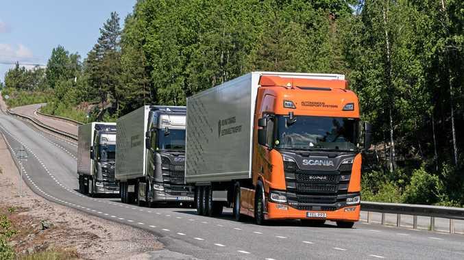 Automated trucks platoon.