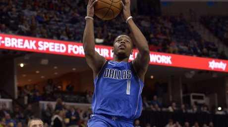 Dallas Mavericks guard Dennis Smith Jr. (1) heads to the basket.