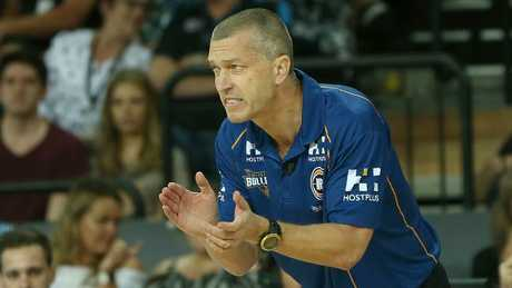 Head coach Andrej Lemanis urges the Bullets on.