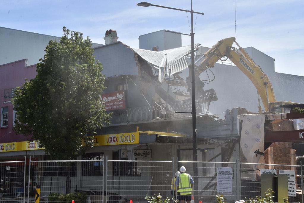 Demolition of The Gladstone Hotel. December 2017