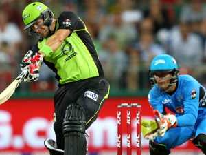 Shane Watson goes absolutely berserk