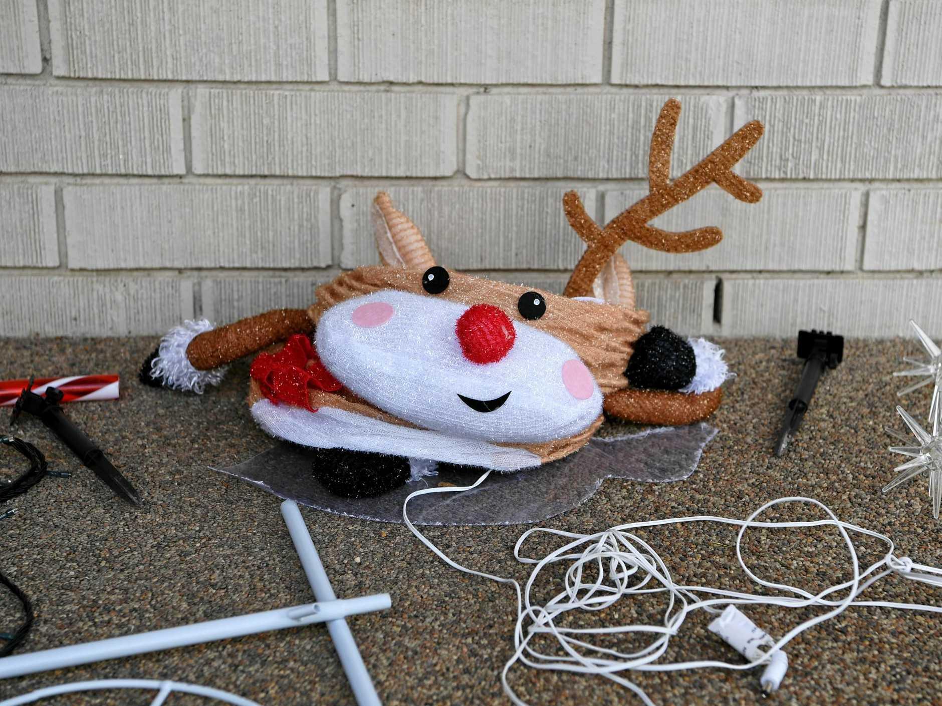 MERRY CHRISTMAS: A Twyford Street family had their Christmas lights stolen.