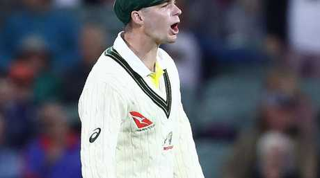 Peter Handscomb is the victim of an awkward technique.
