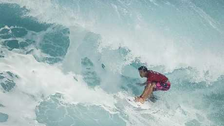 Title hopeful Julian Wilson lost his opening round at the Billabong Pipe Masters