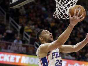 Simmons hits back late to help snap 76ers losing streak