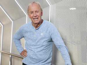 'That's a knife': Paul Hogan takes burger chain to court