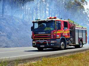 Burning vehicle starts grass fire in hinterland