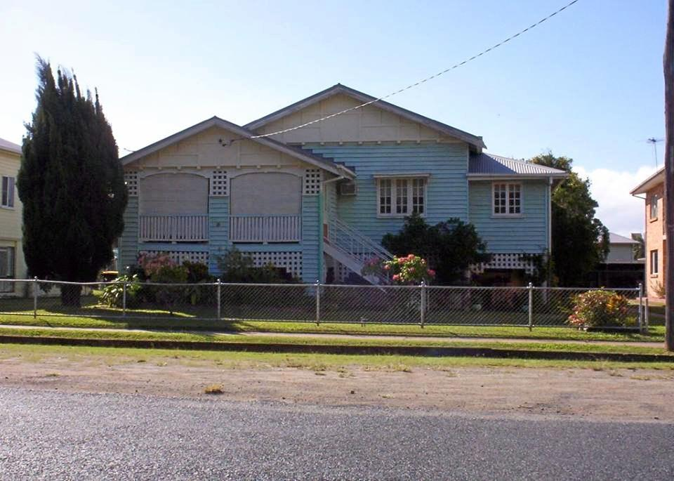 A photo of the now demolished house taken in 2005.