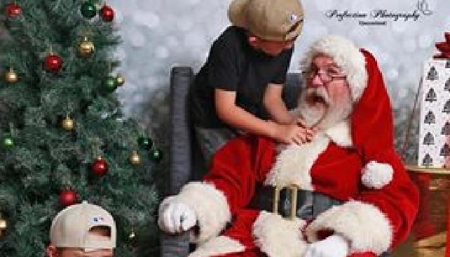 Funny Santa Photos By Laura At Perfection Photography Qld