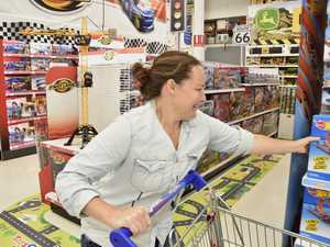 WATCH: Toys R Us trolley dash winner wins over $400 in toys
