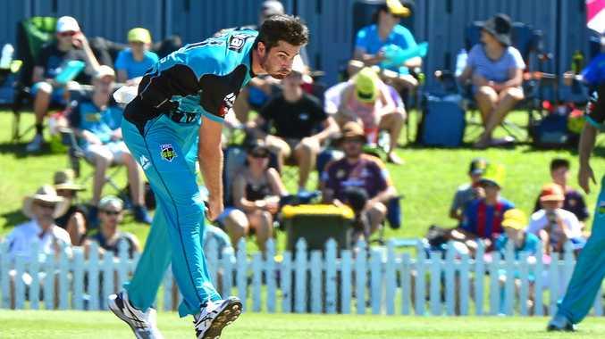 BIG BASH: Brisbane Heat's Ben Cutting in action against the Melbourne Renegades at Maroochydore Cricket Club, Buderim.